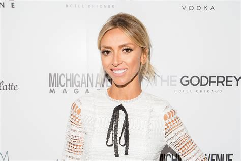 julia rancic bangs giuliana rancic hairstyle giuliana rancic medium wavy