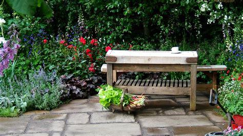 chelsea garden bench chelsea pensioners garden