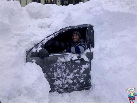 car divertenti auto sommersa dalla neve divertente foto di superedo it