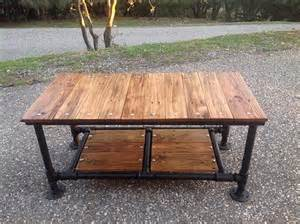 Diy Pipe Coffee Table Diy Pallet Coffee Table With Pipe Base 101 Pallets