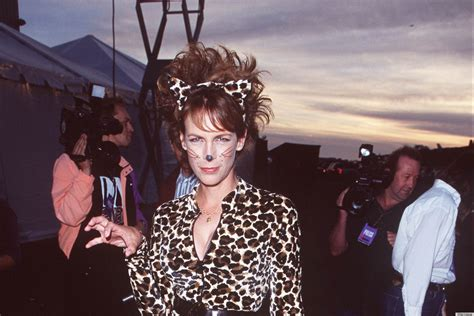 what does jamie lee curtis do to her hair jamie lee curtis is the cat s meow in her 90s halloween