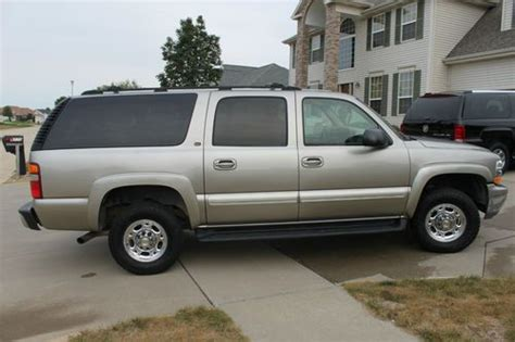 how cars engines work 2003 chevrolet suburban 2500 auto manual find used 2003 chevrolet suburban 2500 3 4 ton 4x4 lt leather package with the 8 1 liter in