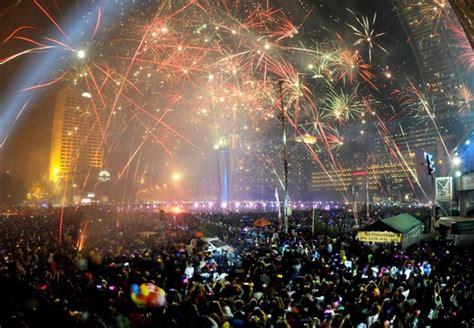new year jakarta 2015 dki pusatkan perayaan tahun baru di ancol gedung wali kota