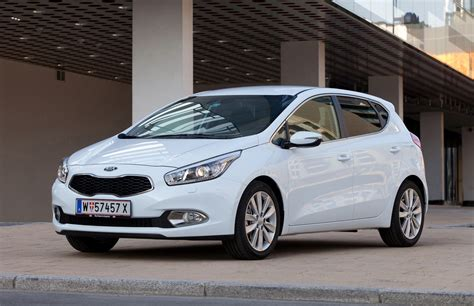 Kia Ceed Diesel Review Kia Ceed Hatchback Review 2012 Parkers