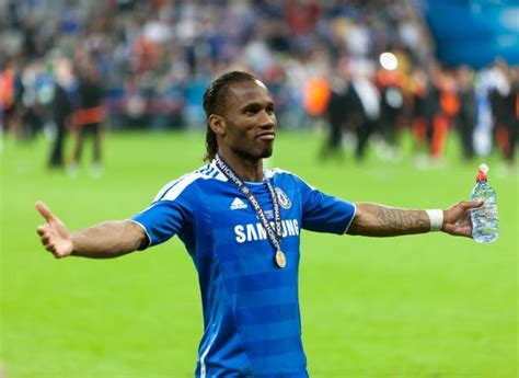 chelsea news now twitter reacts to the news that didier drogba is returning
