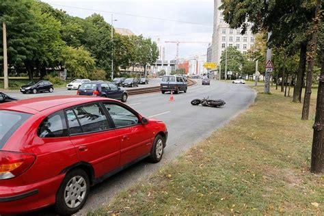 Motorradfahren Am Ring by T 246 Dliches Ungl 252 Ck Motorradfahrer Stirbt Bei Unfall Auf