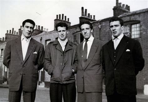 film gangster londres the kray twins rare and unseen pictures of notorious