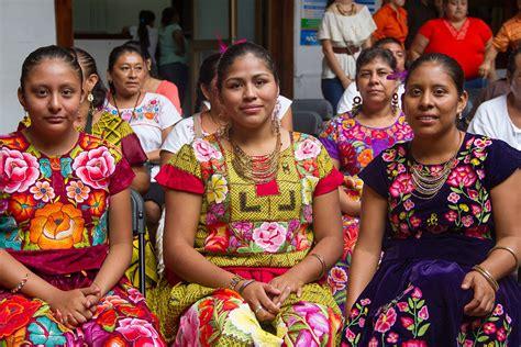 imagenes de personas mayas editan diccionario en zapoteco para prevenir c 225 ncer