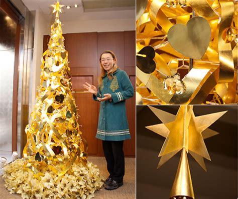 Lingkaran Natal Unik pohon natal emas rp17 6 milyarmajalah ouch