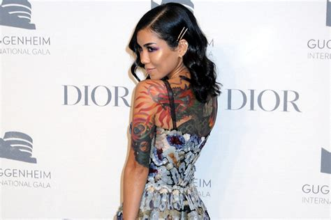 jhene aiko back tattoo jhen 233 aiko covers up big gist junction