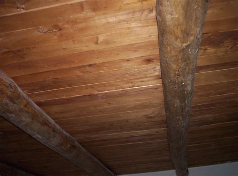 pitturare il soffitto pitturare soffitto in legno dugdix mensola bagno legno