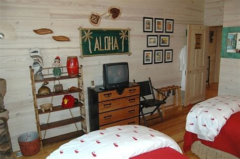 hawaiian themed bedroom aloha hawaiian tropic themed bedroom boys rooms pinterest