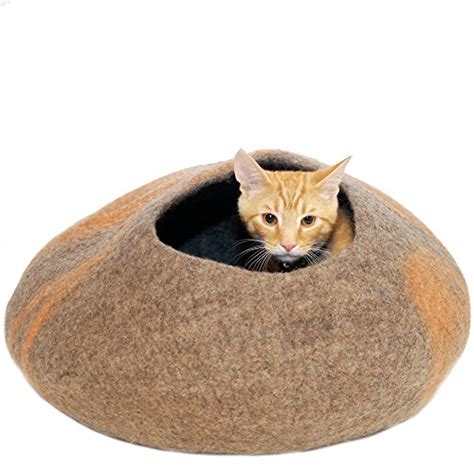 cat beds for large cats kittikubbi cat bed cave hideout handmade from 100 natural wool large for cats