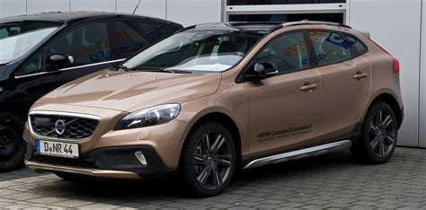 file volvo v40 cross country d4 summum frontansicht 11