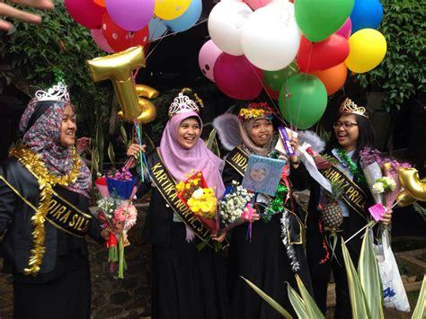 Boneka Wisuda Custom Bandung selempang wisuda bandung jual selempang nama selempang