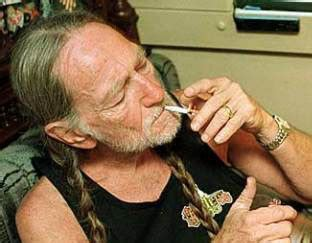 willie nelson smoking pot the lounge with michael horn on crn july 2011