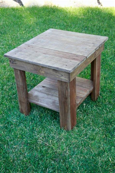 pallet wood end table rustic wood end table 101 pallets