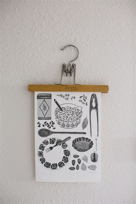 best way to hang pictures in an apartment creative way to hang pictures creative ways to hang