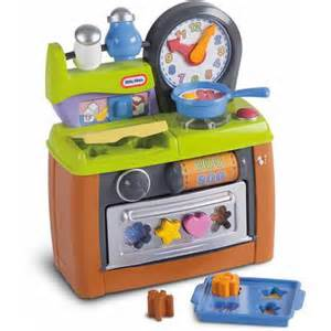 American Plastic Toys Cookin Kitchen With 22 Accessories Little Tikes Lil Cooks Kitchen Pretend Play Arts