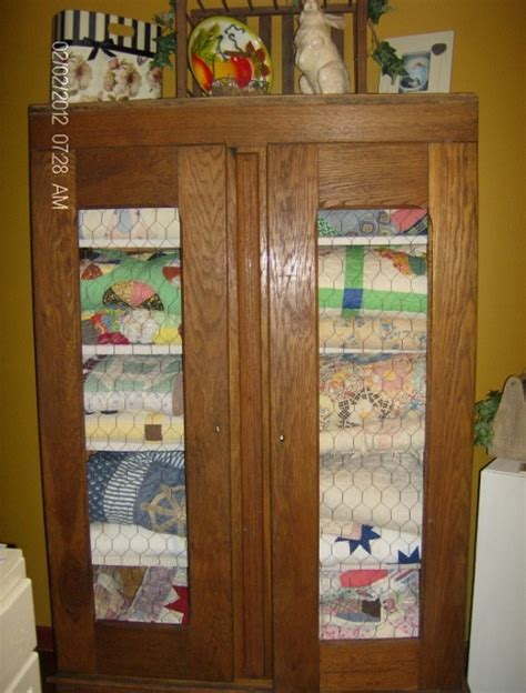 Quilt Storage Cabinets Quilt Storage Cabinets Quilt Storage On Quilt Display Quilt Ladder And Primitive Quilts Quilt
