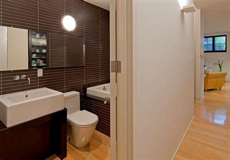 Charmant Idee Deco Salle De Bain Petite Surface #1: id%C3%A9e-moderne-d%C3%A9co-petite-salle-de-bain.jpg