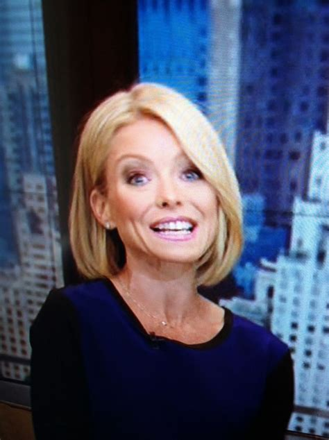 kelly rippa short wavy bob image gallery kelly ripa bob hairstyle