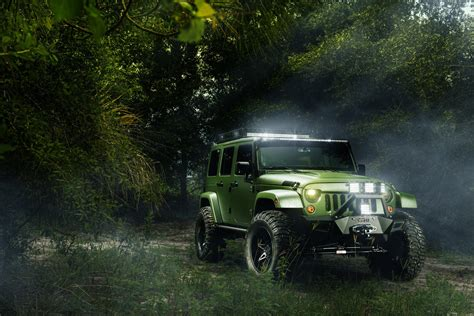 jeep wrangler screensaver jeep wrangler forest wallpaper 2048x1367 514907