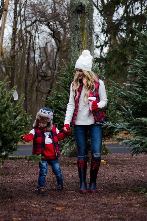 best 25 family picture outfits ideas on pinterest best 25 family photo outfits ideas on pinterest family