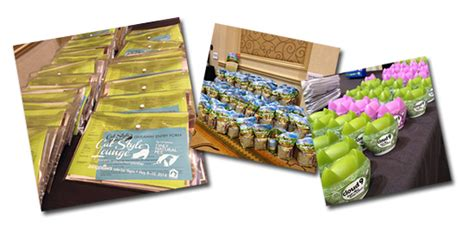 Conference Giveaway Items - hauspanther cat style lounge at 2104 blogpaws conference showcases top cat products
