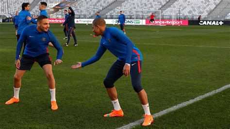 kylian mbappe off white mbapp 233 trains in exclusive nike x off white mercurial