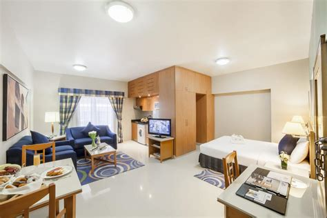 3 bedroom hotel apartments in bur dubai aparthotel golden sands dubai uae booking com
