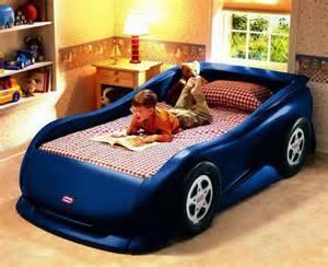 kid bed 50 letti per bambini a forma di macchine e veicoli vari