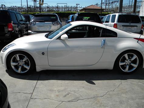 white nissan 350z 2007 nissan 350z coupe base nissan colors