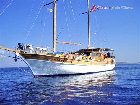 sail boat hire croatia croatia yacht charter motor yachts sailboats and motor