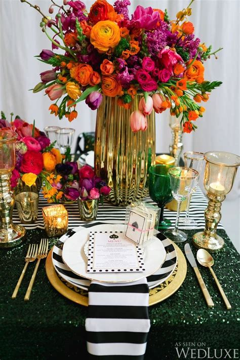 Bright Decorations by Best 25 Striped Table Ideas On Striped Table