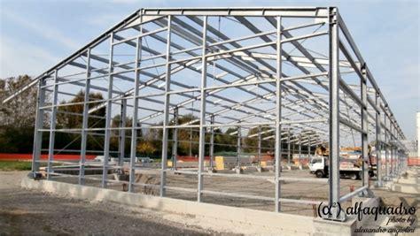 costo capannoni prefabbricati capannoni in acciaio prefabbricati industriali costruzioni