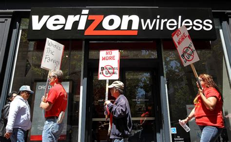 Verizon Suspended Will Resume Shortly by Verizon Workers Suspend Strike And Resume Talks But