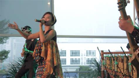 Cintaku Indonesia d bambooessential cover chrisye cintaku