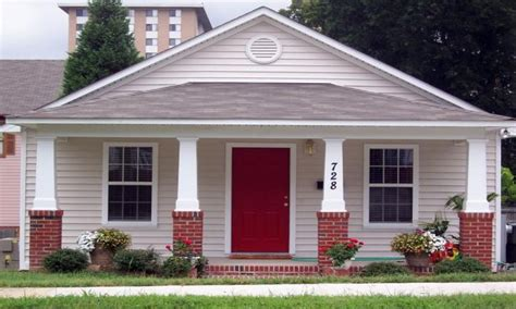small bungalow homes small bungalow house plans small bungalow house front