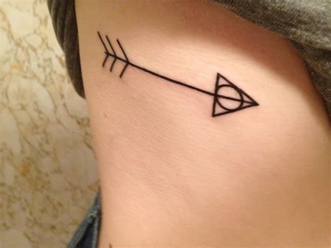 tattoo on ribs arrow arrow tattoos and designs page 133