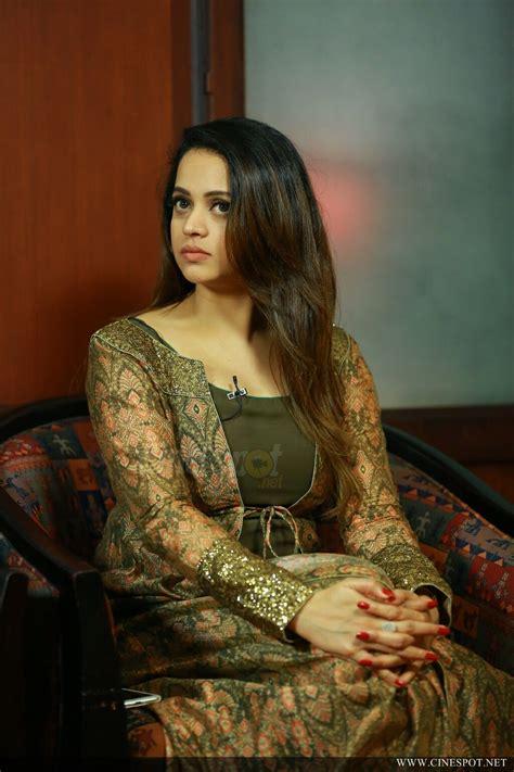 actress bhavana latest news bhavana latest photos 20