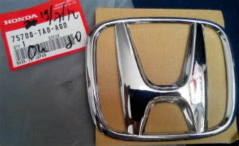 Emblem Brio Emblem Tulisan Brio Emblem Brio Honda Ori emblem tulisan jazz