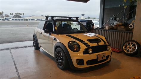Mini Cooper Bike Rack Roof by Fs Thule Black Aeroblade Roof Rack And Rocky Mounts