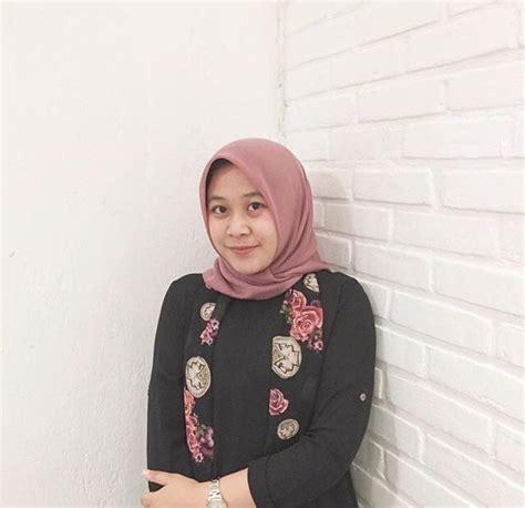 Young Yeen Galleries Hijab Asian Indonesian Muslim Girl