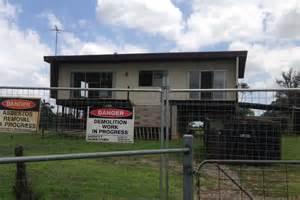 creek house badgerys creek house to be demolished abc news
