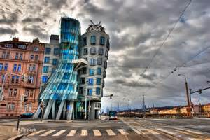 dancing house minimalist home dezine