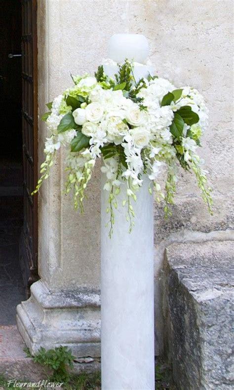 composizione fiori matrimonio chiesa composizione di fiori su colonna per matrimonio addobbi