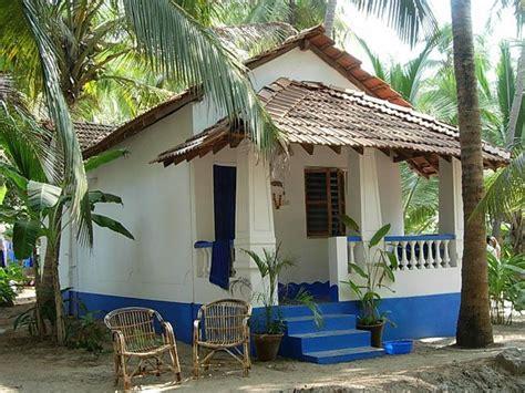 houses goa rent 110 best goan traditional houses images on goa