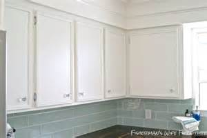 Glass Pulls For Kitchen Cabinets Glass Pulls On Kitchen Cabinets