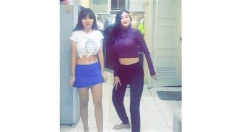 Celana Duo safitri bikin gaduh netizen lagi lakukan hal ini saat di dapur berkabar id